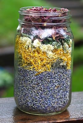 How to Make Herb Infused Oils - Infused Oil Round-Up   Healthy Living in Body and Mind