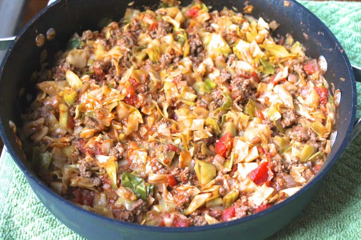 Amish Ground Beef and Cabbage Skillet | Smile Sandwich